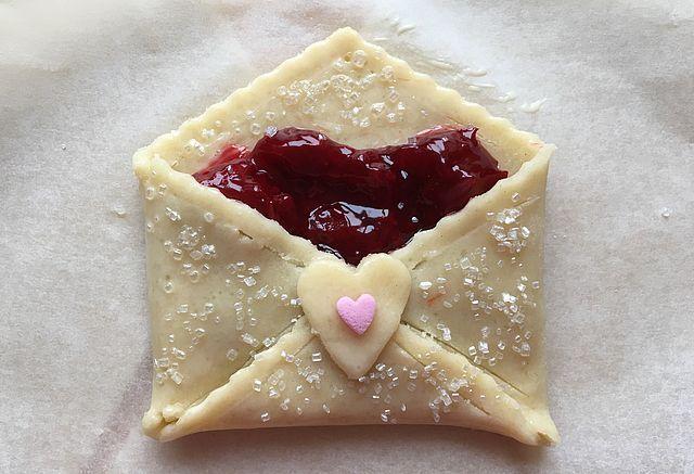 Will you be my Valentine? – Kærestebreve med kirsebær   Bagvrk.dk   Bloglovin'