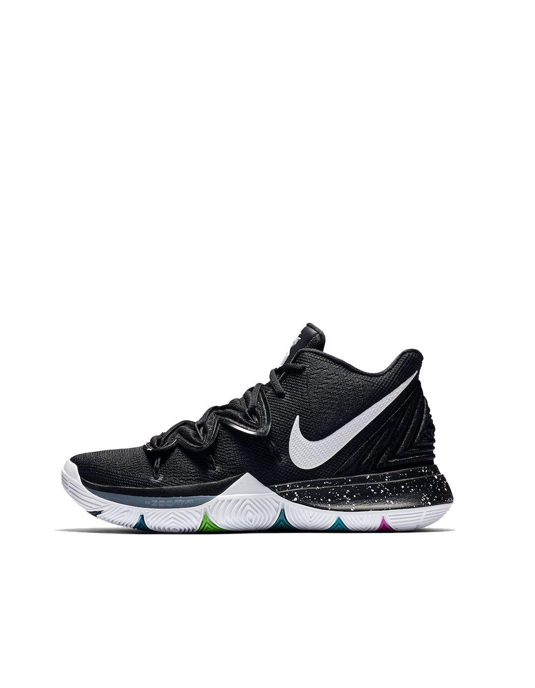premium selection f564f 97258 Nike Kyrie 5