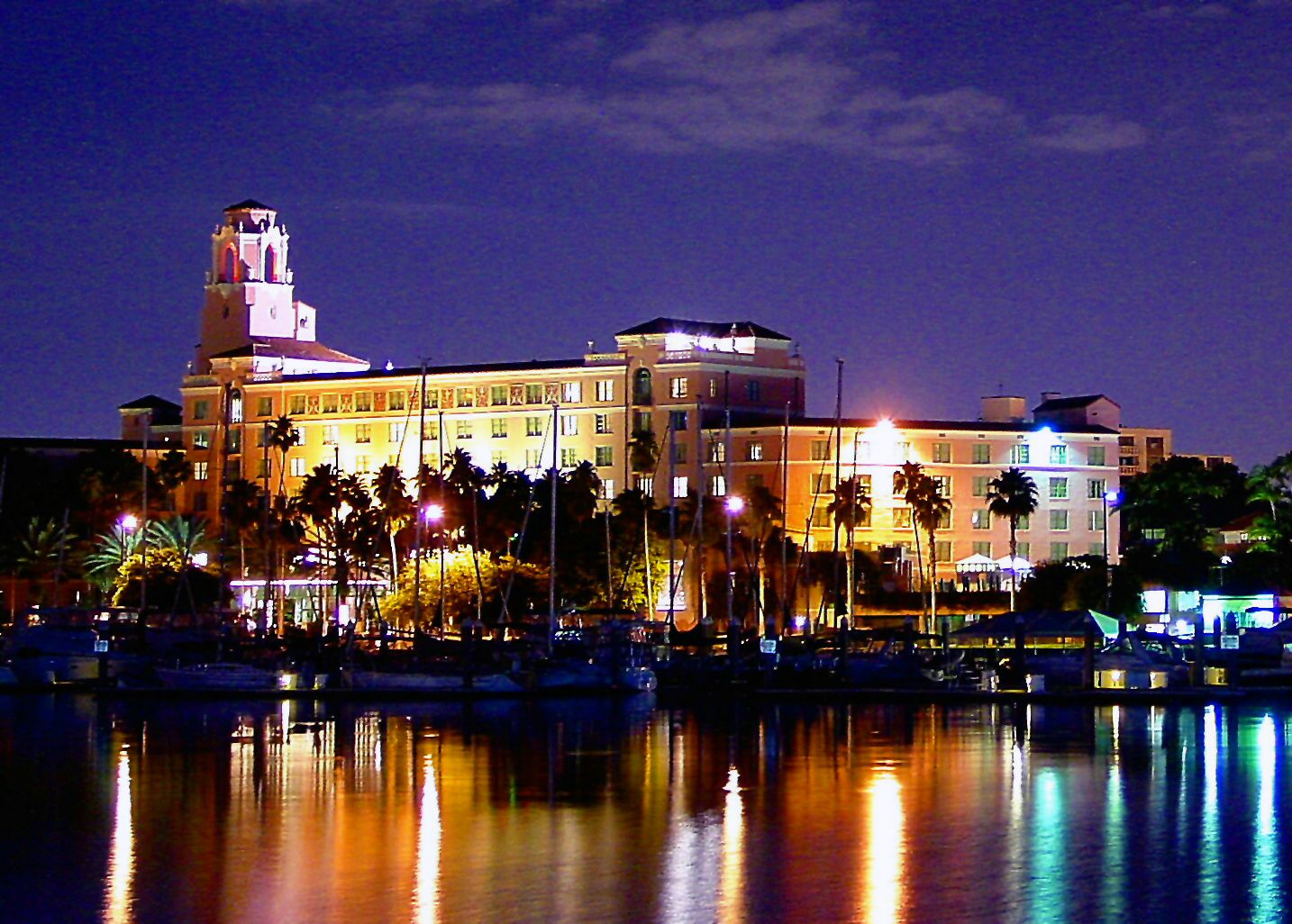 The Renaissance Vinoy Hotel Photo Courtesy Of City Of St Pete Haunted Places Places In Florida Scary Places