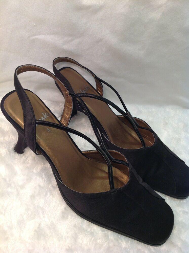 Clarks Ladies Sling Back Shoes Black Kitten Heel Uk 4 37 Kitten Heels From Ebay Uk Kittenheels Heels 6 50 0 Bids E Kitten Heels Clark Heels Clarks