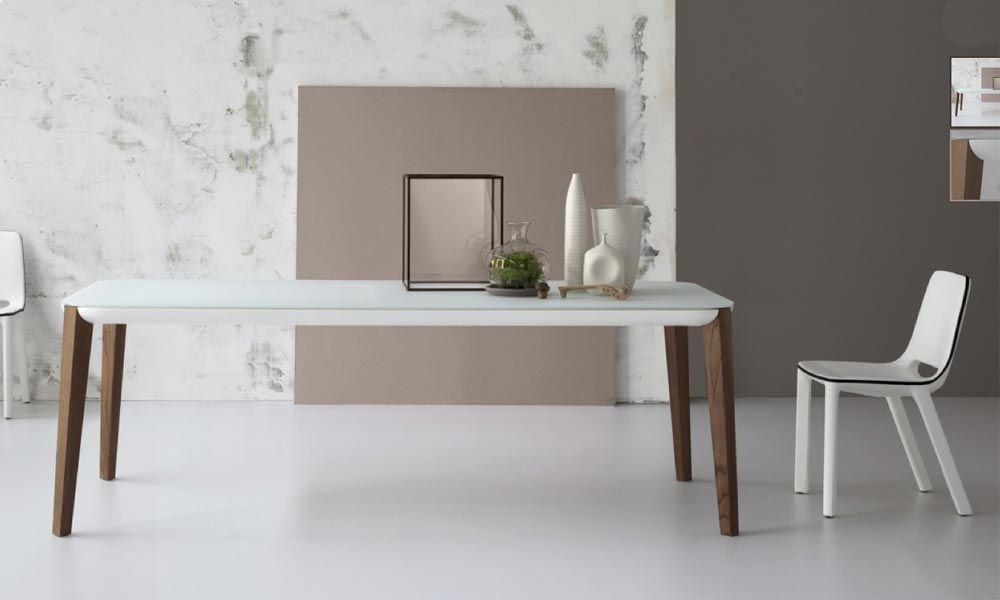 tafel met witte poten en houten blad - Google zoeken