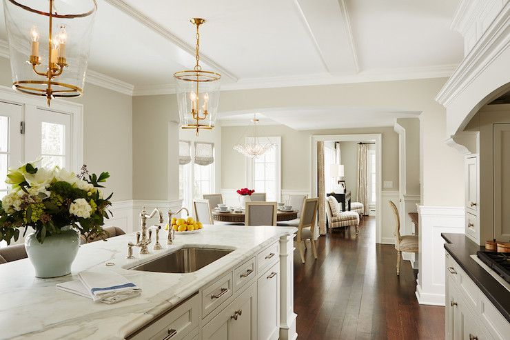 Martha o 39 hara interiors kitchens benjamin moore for Kitchen design zurich