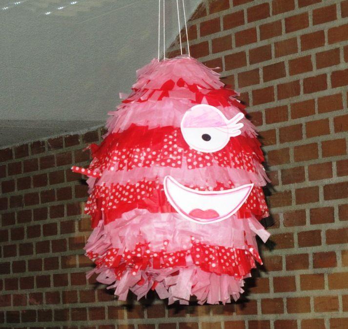 Piñata Monstruo Rosa Monstruos Fiestas Infantiles El Cuento Actividades