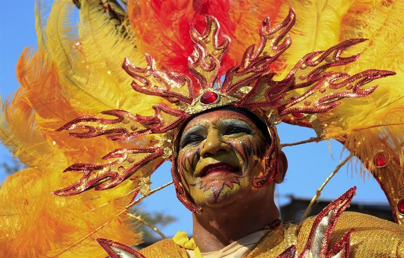 El Carnaval De Barranquilla Celebra Su Décimo Aniversario Como Patrimonio De La Humanidad Foto Efe Painting Art