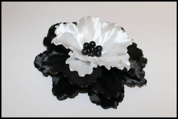 زهور متفتحة ديسمبر 2013 Flower Making Fabric Flower Tutorial Ribbon Flowers