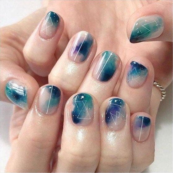15 Diseños de uñas inspiradas en las estrellas y el espacio