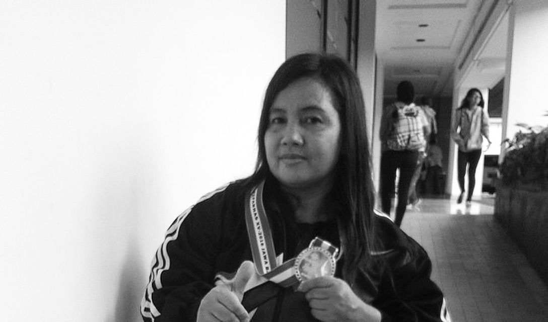 Lili akan cerita sedikit tentang Mahdalena, atlet angkat berat asal Bekasi Jawa Barat yang bersemangat untuk mengubah cara pandang orang tentang disabilitas.   Memiliki keterbatasan fisik akibat terserang penyakit muntaber dan polio, tidak membuatnya kecil hati. Sejak menderita sakit pada usia 2 tahun, Mahadalena mengalami keterbatasan.  Tapi semua itu tidak membawanya ke arah putus asa. Mahdalena ingin membuktikan bahwa dirinya bisa  berprestasi.  Mahdalena berhasil menorehkan prestasi.