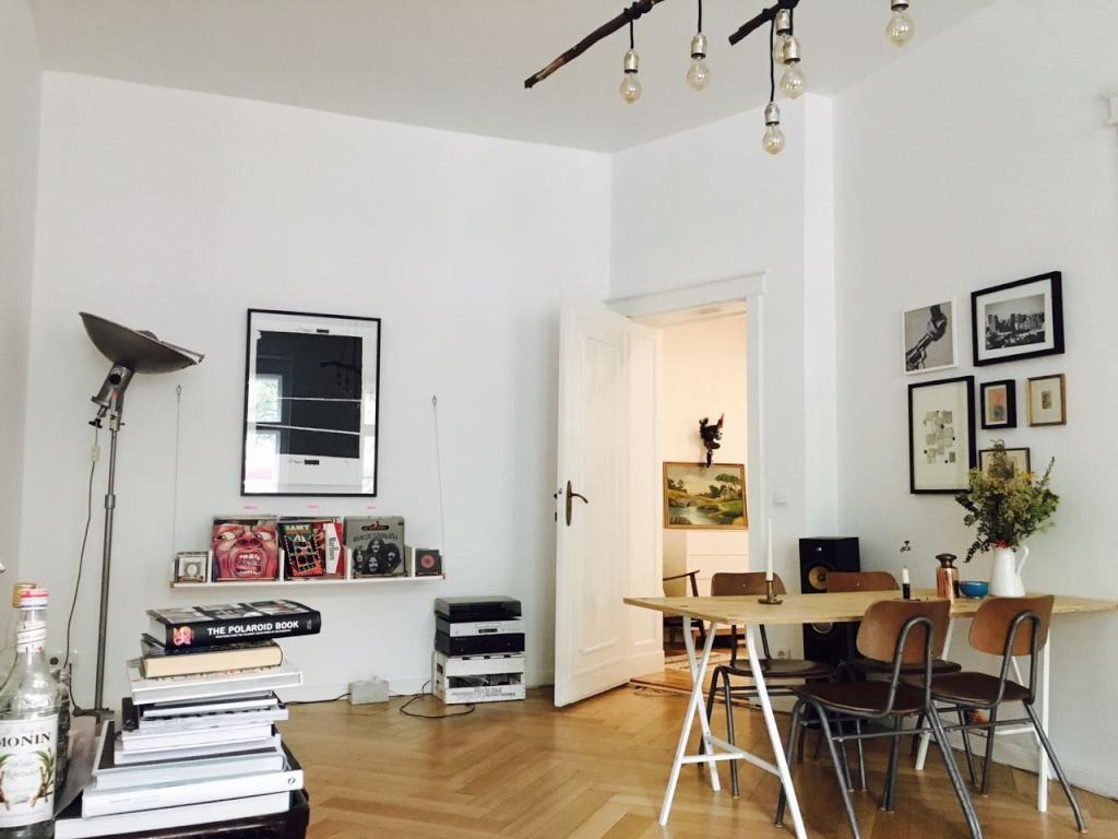 Wohnzimmer Kompletteinrichtung ~ Blick ins wohnzimmer einer wunderschönen altbauwohnung