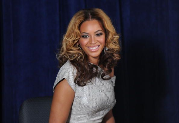 Beyonce is an American singer and actress with an estimated net worth of $450 million. Born on September 4, 1981 in Houston, Texas to Tina and Matthew Know