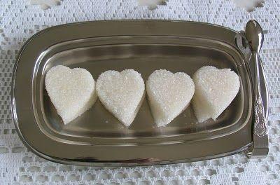 saboreando a vida: Suspiros recheados e (de novo!) Como se faz cubos de açúcar