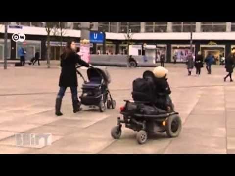 wheelmap.org hilft Menschen im Rollstuhl durch die Städte in aller Welt.
