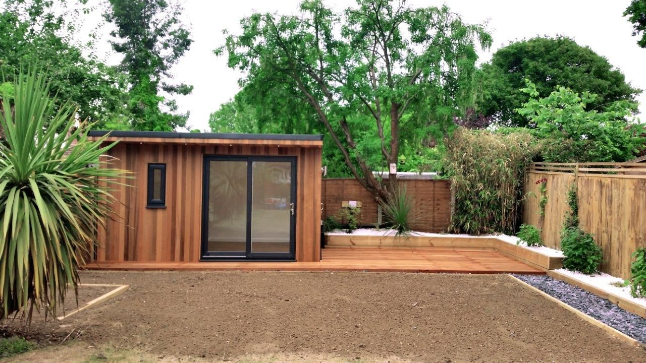 Charming A 4.0m Wide X 3.0m Deep Garden Room Built In Esher, Surrey.