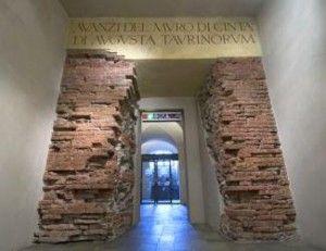 Testimonianza delle antiche mura presso la porta orientale della Torino Romana all'interno dell'attuale museo civico di Palazzo Madama a Torino