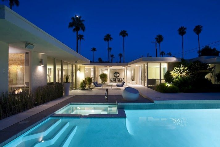 Love the Unique Pool Decor #MidCenturyModern #CliffMaySoCalinSpring
