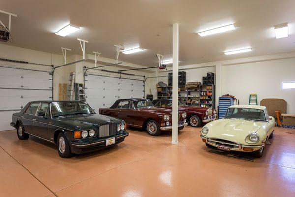 10 Car Climate Controlled Garage 11225 N Crestview Dr Fountain Hills Arizona 85268 Via The Marta Walsh Group