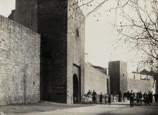 Resultado de imagen de Porta de Santa Madrona