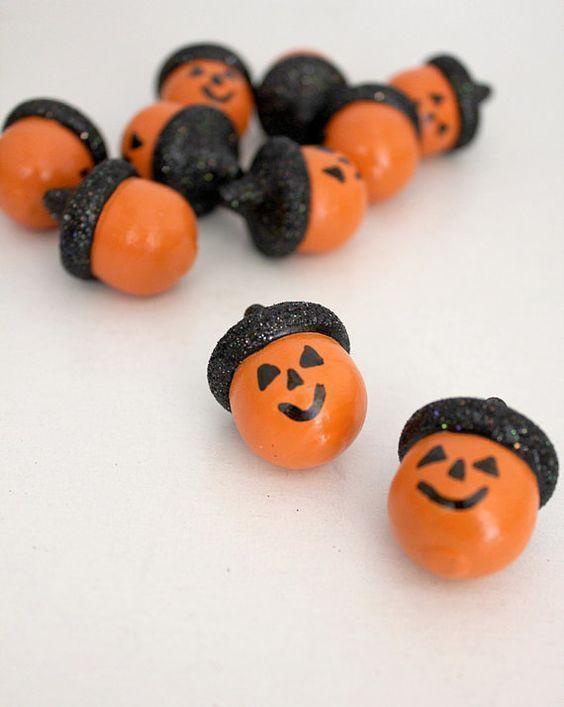 Herbst ist Bastelzeit - 15+ DIY Ideen für Herbstdeko basteln mit Eicheln #halloweencraftsforkids