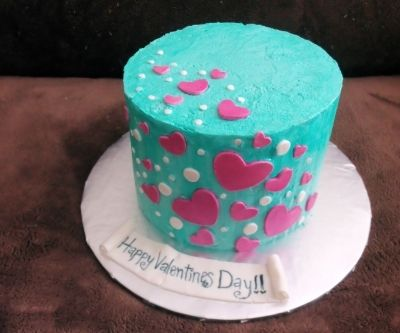 Floating hearts By FaughndOfCakes on CakeCentral.com