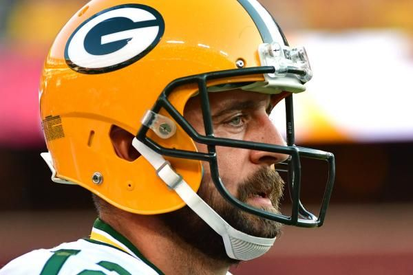 Aaron Rodgers Green Bay Packers Quarterback Says He Has 13 Screws In Fractured Collarbone With Images Green Bay Packers Football Packers Football