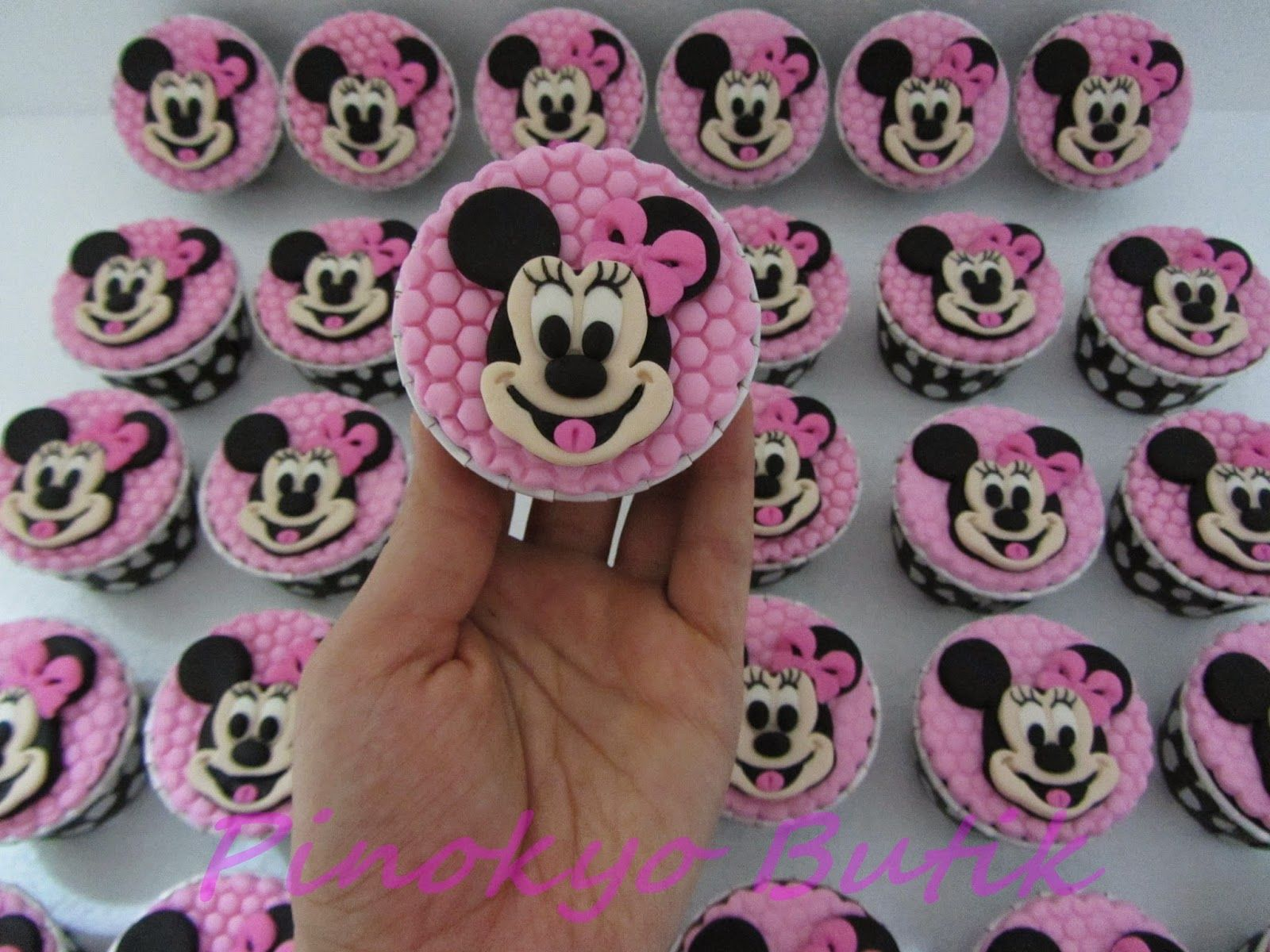 Pinokyo Butik Kurabiye ve Pasta - İzmit: Minnie Mouse temalı cupcake ve kurabiyeler