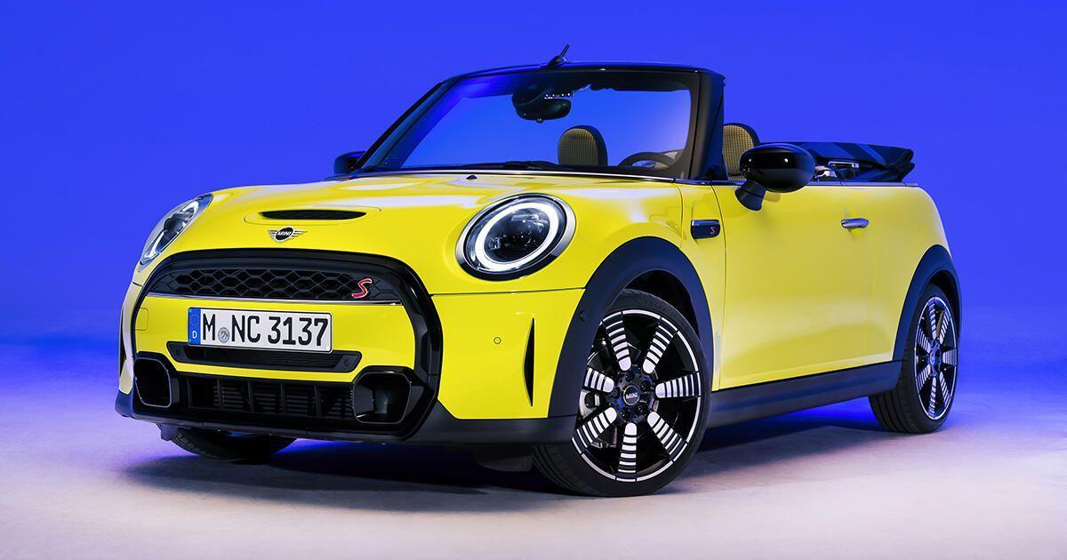 2022 Mini Cooper Hardtop And Convertible Get Fresh Looks And New Tech In 2021 Mini Cooper Mini Cooper Hardtop Mini Cooper S
