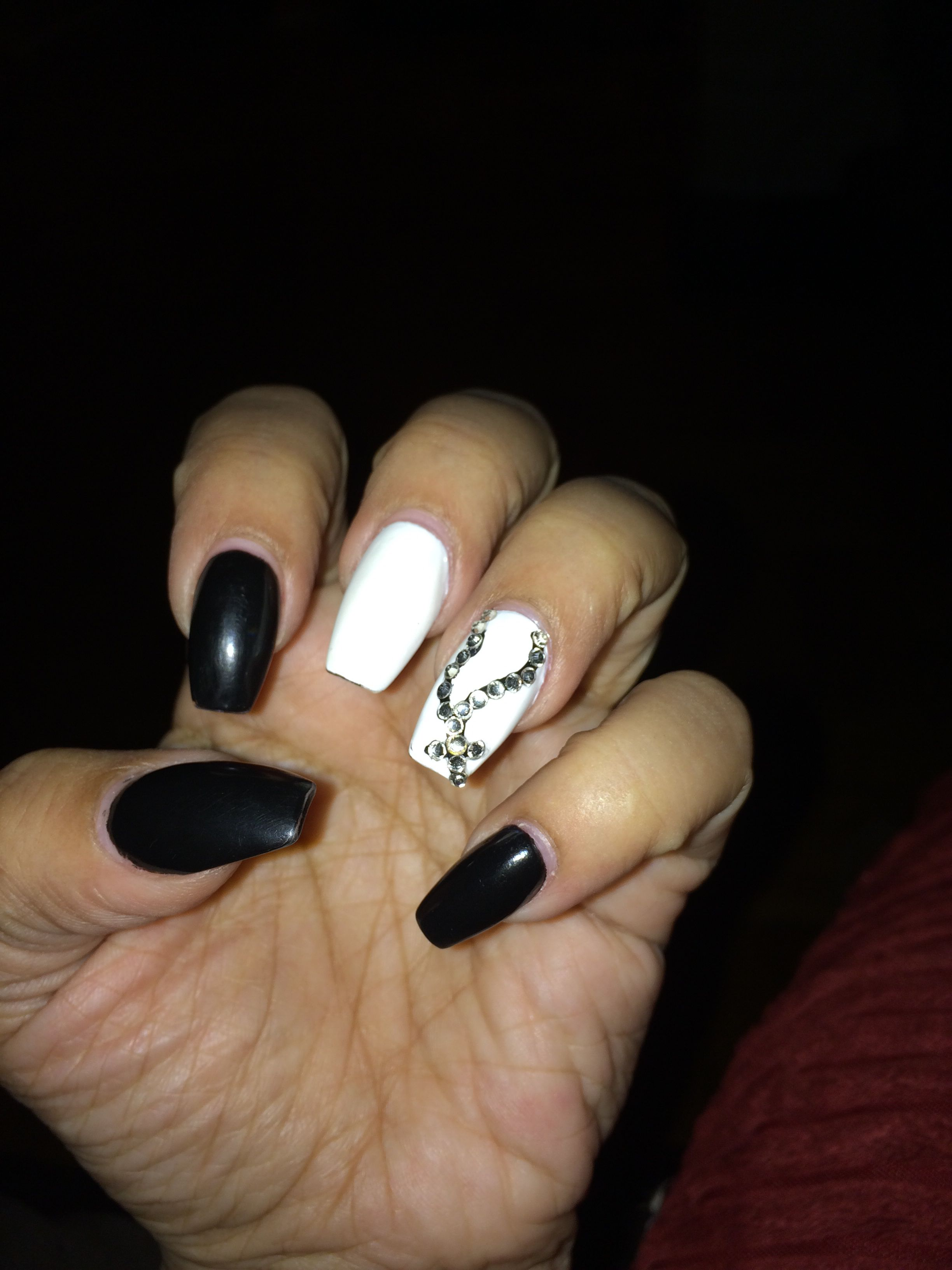 Black And White Coffin Nails With Stone Design Hair Nails