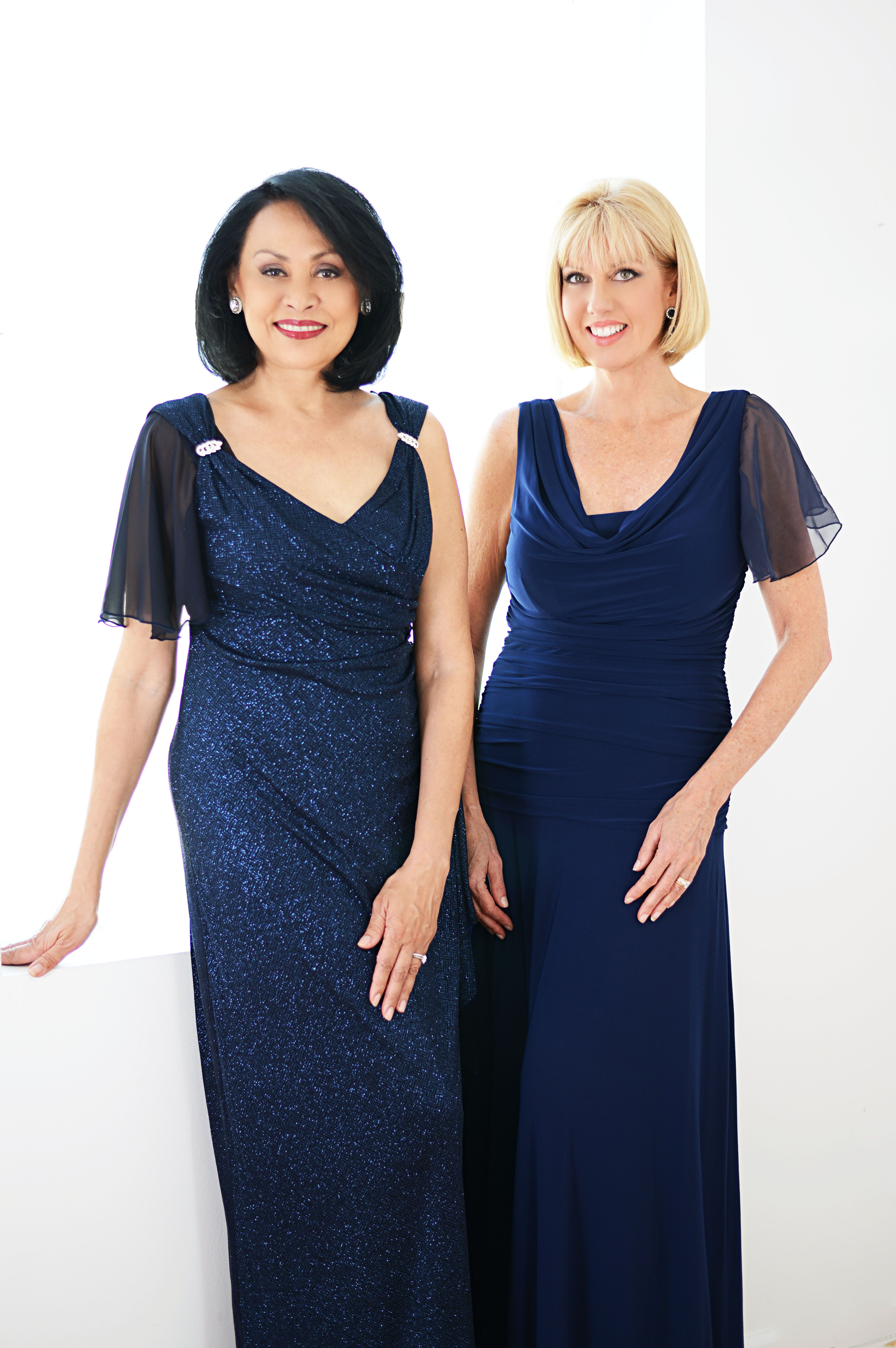 For Special Occasion Drama, Pair up a classic gown with delicate detachable Sleeves & forget the Bolero