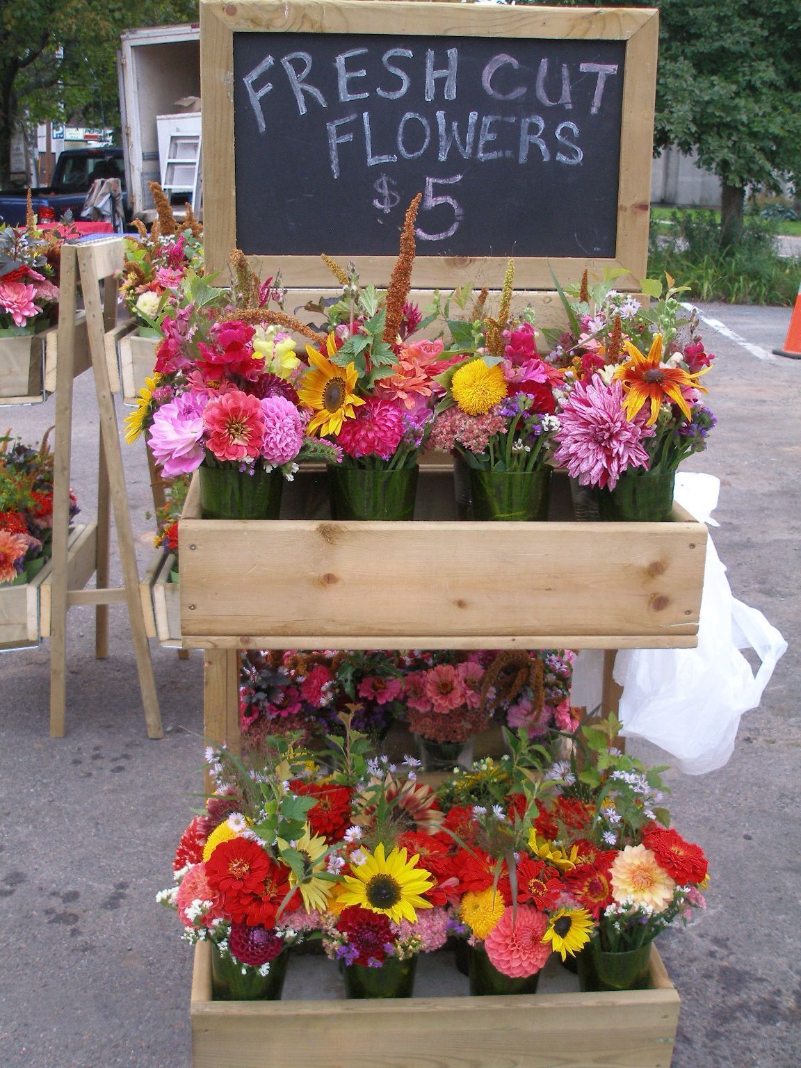 25+ Awesome Farm Stand Ideas Flower truck, Flower stands
