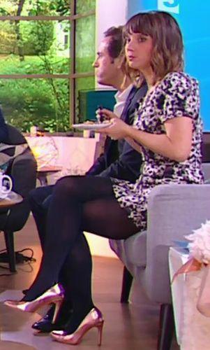 Melanie Taravant | La quotidienne france 5, Chaussure rose ...