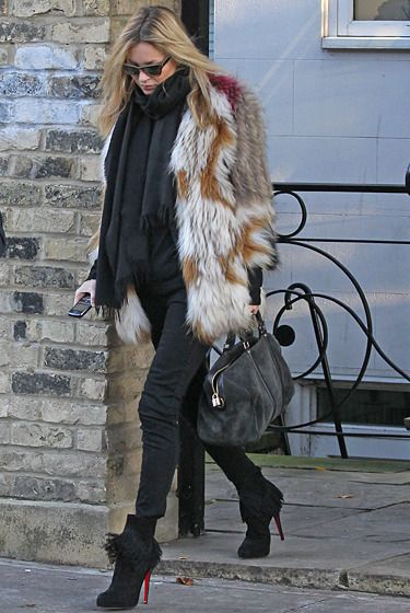 4cc1a0c8f88e Kate Moss in fur