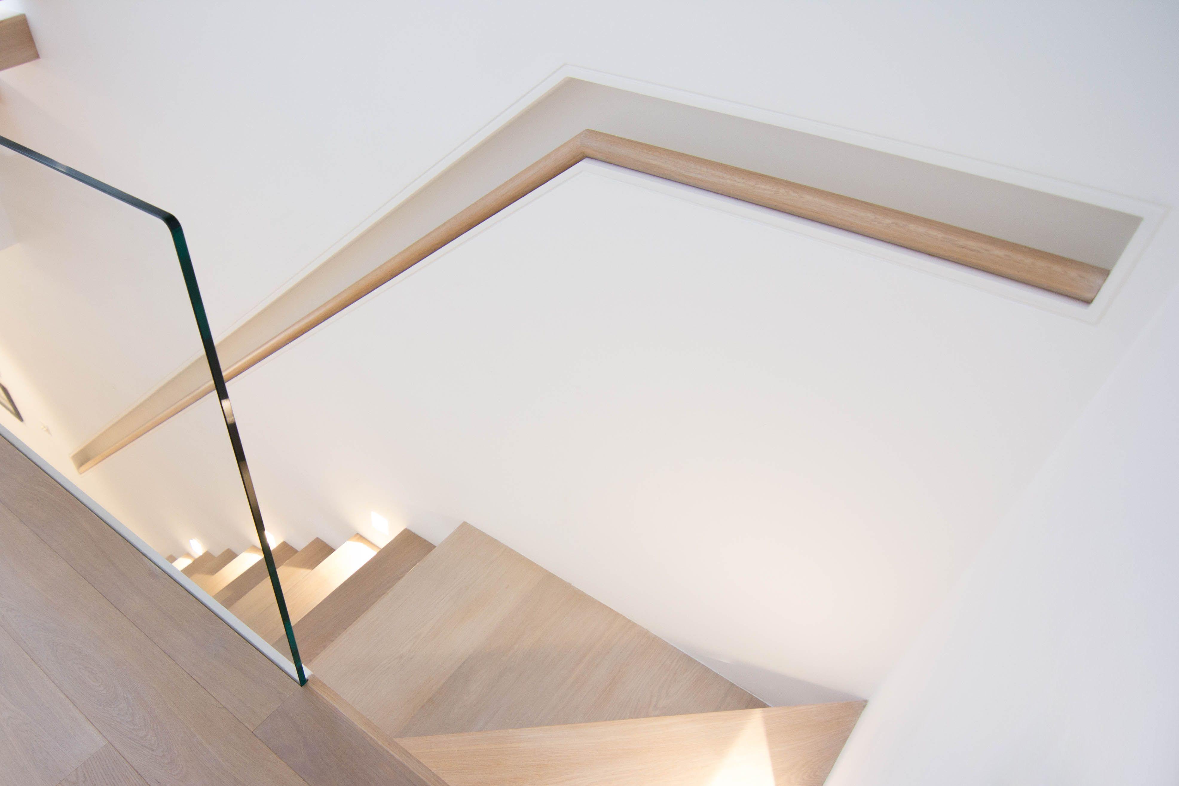 Handrail: 42mm Oak Round Profile Wall Mounted Handrail. Glass Balustrade, Wall  Mounted Handrail