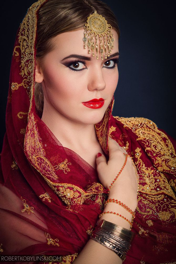BOLLYWOOD PHOTO: Robert Kobylinski MAKEUP ARTIST & HAIR: Æ Rubinska MODEL: Helena Siadlak
