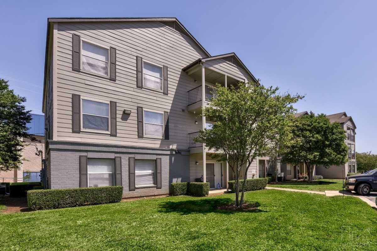 Parkview Place North Austin Avenue TX