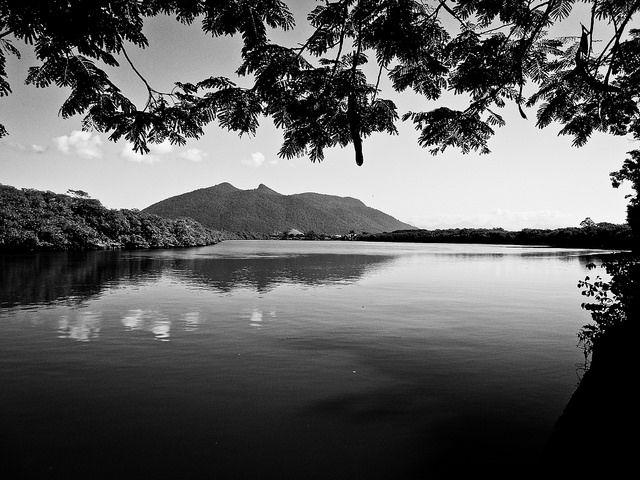 Margens do Rio São João - Casimiro de Abreu - RJ | por Luiz Montenegro