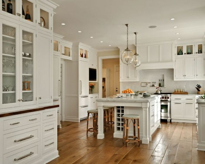 53 variantes pour les cuisines blanches! Larder, Laundry and Kitchens