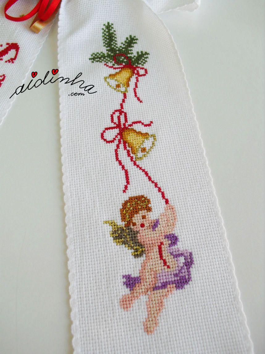 Desenho de anjo, bordado em ponto cruz de um dos lados do laço | 2 ...