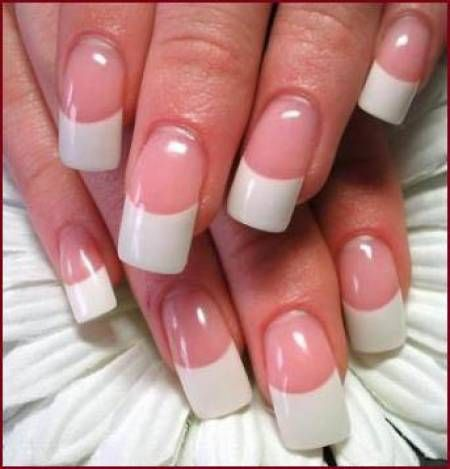 También trabajamos las uñas gel. Son más naturales .. quedan bellas...