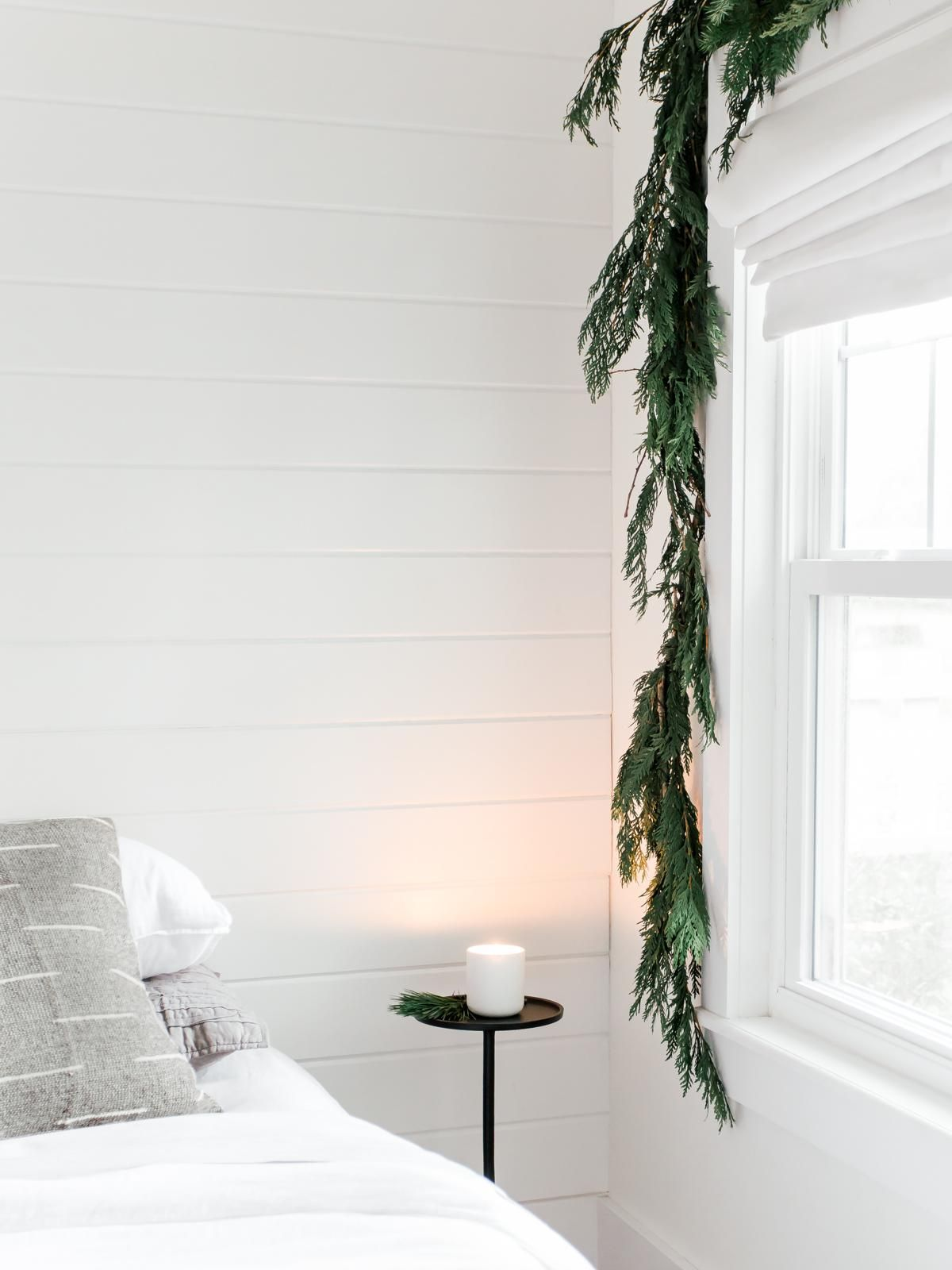 Christmas Queens Tour 2020 Proof That Simplicity Reigns Queen in This Holiday Home Tour