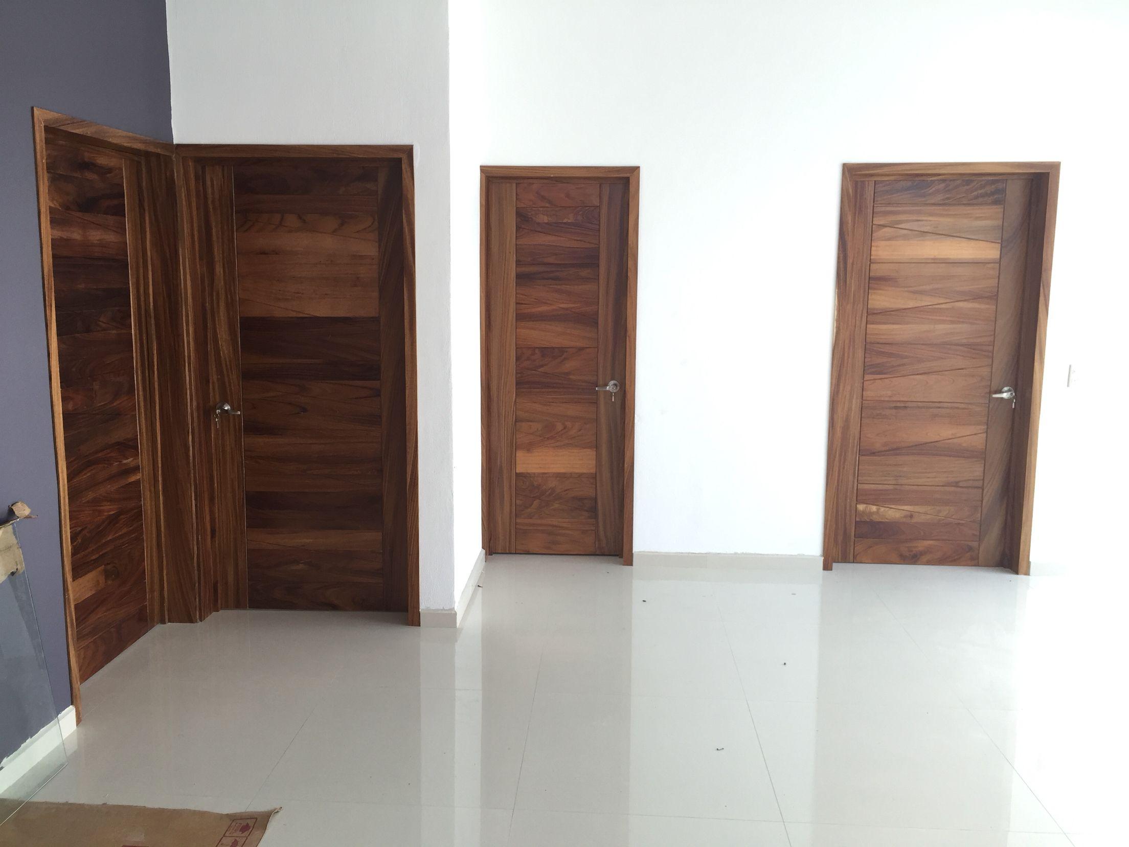 Puertas en madera de parota puertas pinterest madera for Puertas dobles de madera modernas