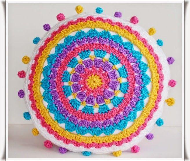 Tığ işi Mandala Motifli Yastık Modeli #crochetmandalapattern