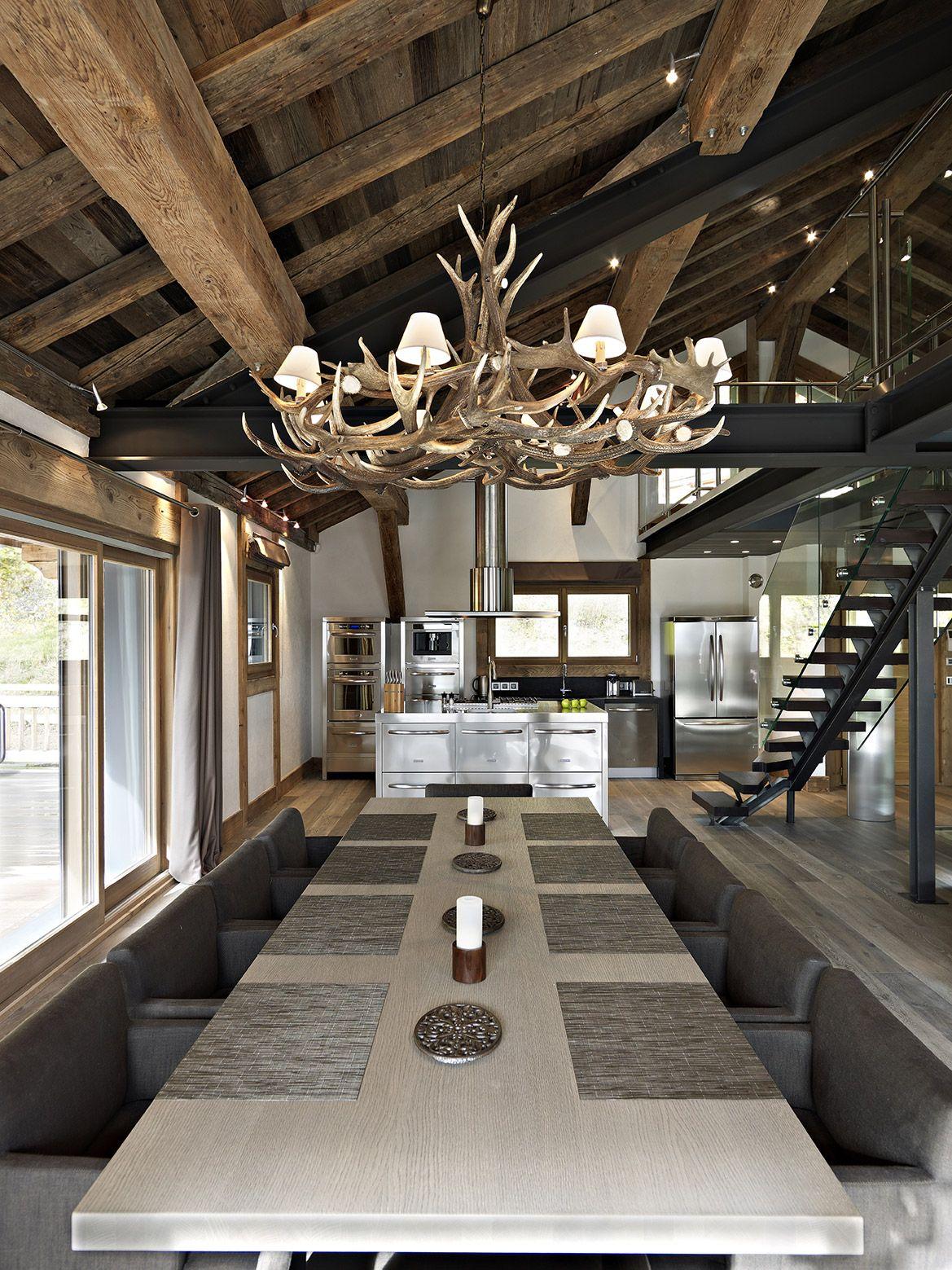 cuisine m tal alu moderne lustre en bois grande table. Black Bedroom Furniture Sets. Home Design Ideas