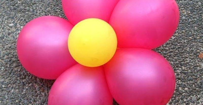 como hacer flores de globos para decorar fiestas