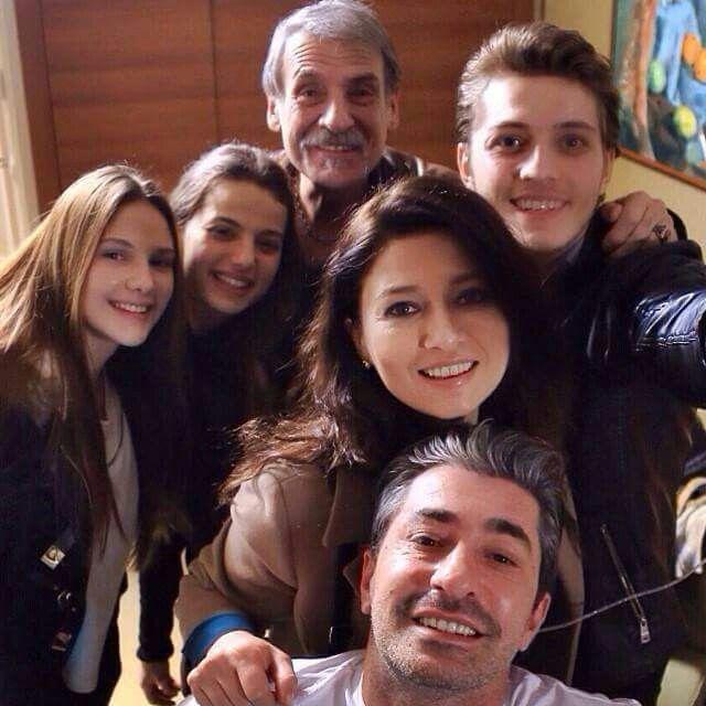 Pin By Naina On Turkish Celebritis Leyla Tanlar Turkish Actors Braces Girls