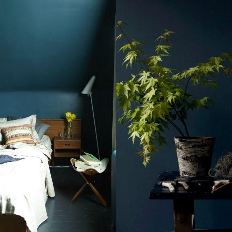 petrolblaue wandfarbe im schlafzimmer blue wall pinterest wandfarbe schlafzimmer und h uschen. Black Bedroom Furniture Sets. Home Design Ideas