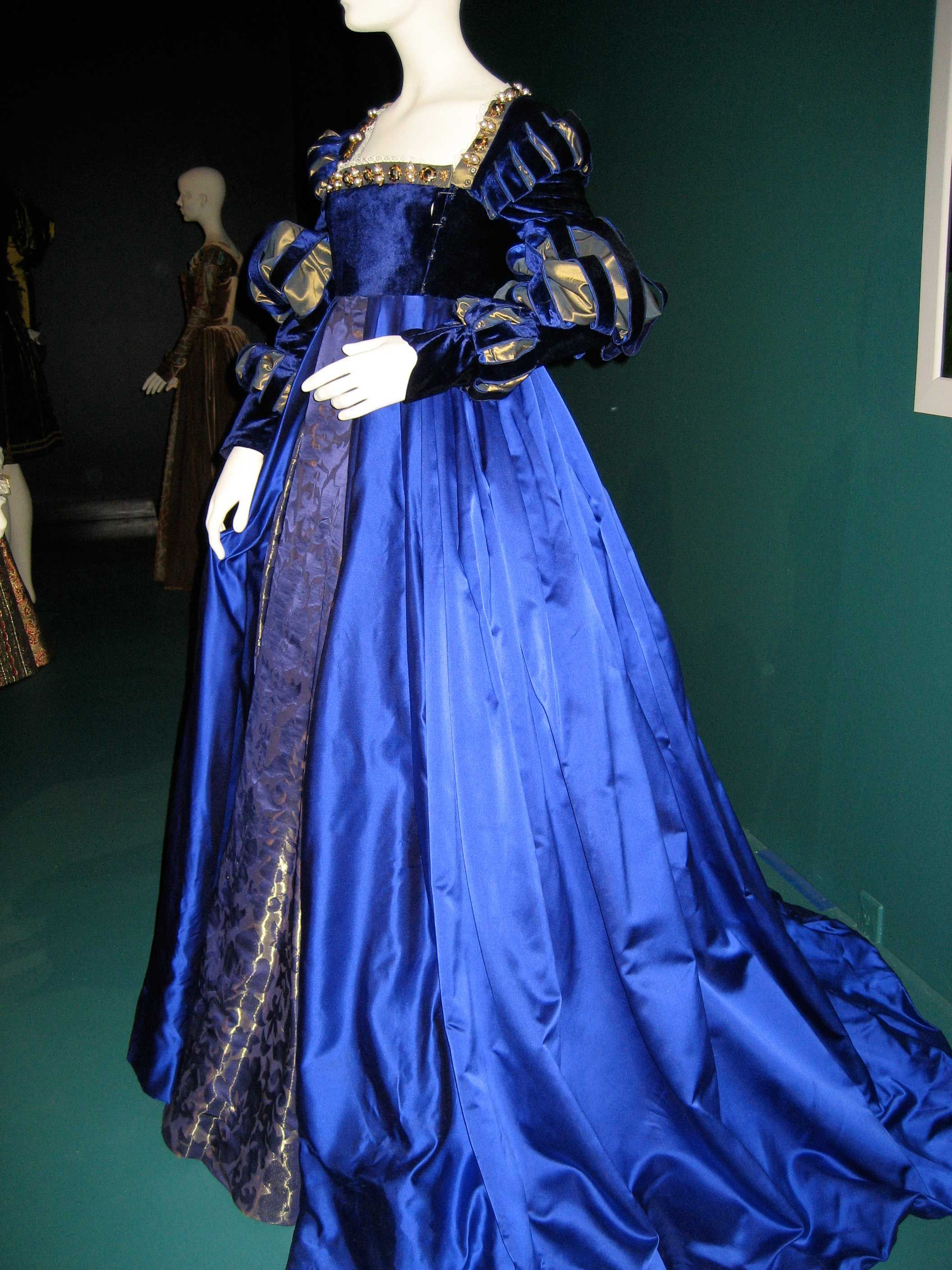 Anne's coronation gown from  The Other Boleyn Girl -- Don't know exactly how accurate it is, but it is *so* pretty!!