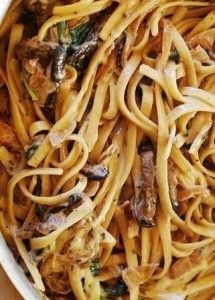 Creamy-Mushroom-Pasta-with-Caramelized-Onions-Spinach