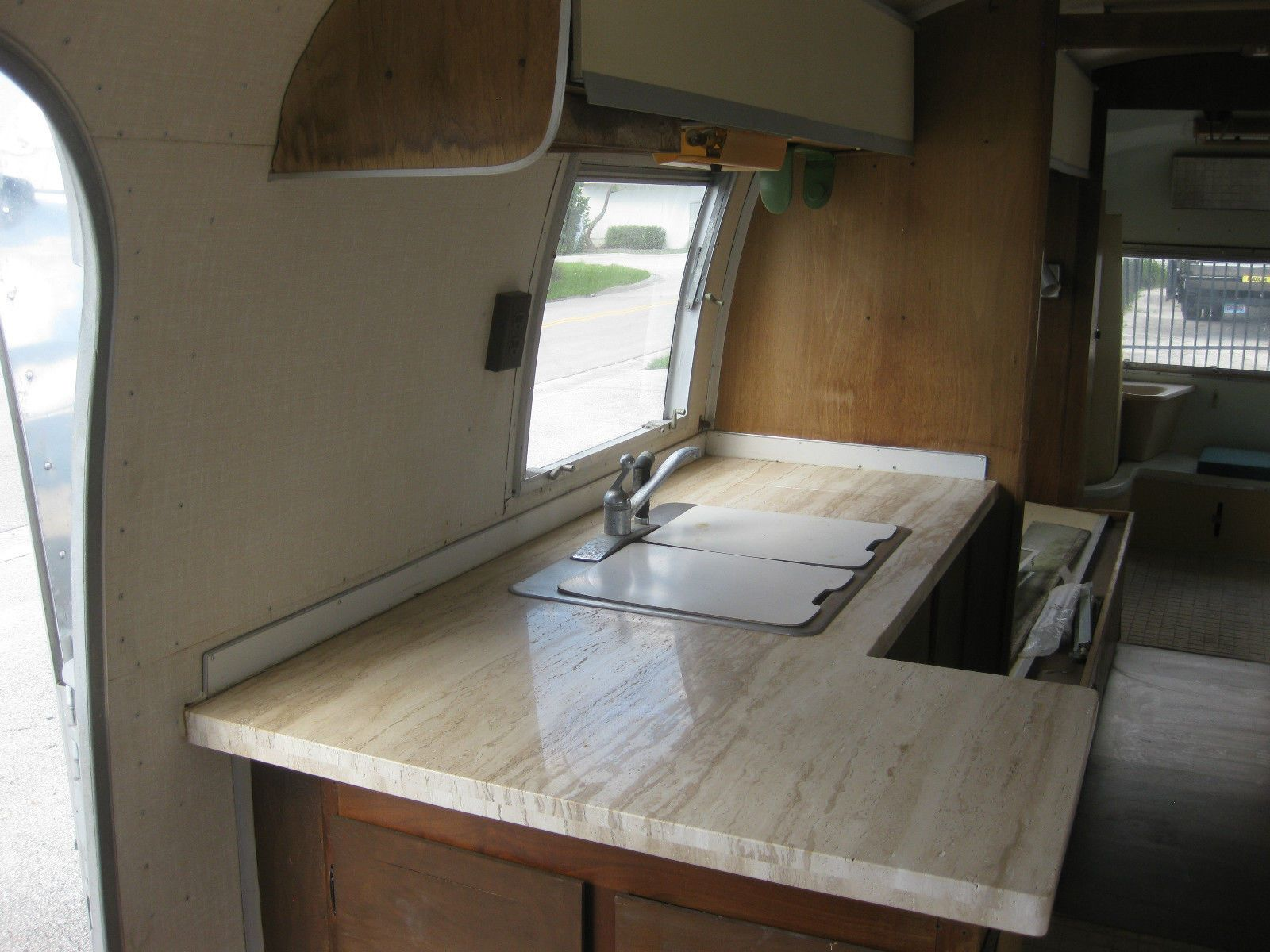 1967 Airstream Travel Trailer 31' Sovereign  NO RESERVE