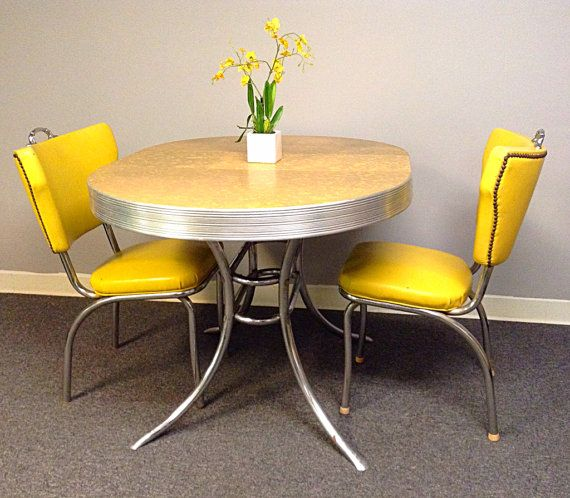 1950 S Yellow Grey Mother Or Pearl Formica Rare Round Etsy Retro Dining Table Vintage Kitchen Table Retro Kitchen Tables