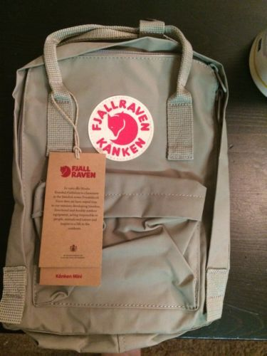 Fjallraven Kanken mini Backpack - Putty https://t.co/wdTPCyt1YQ https://t.co/AqHSQvX9A6