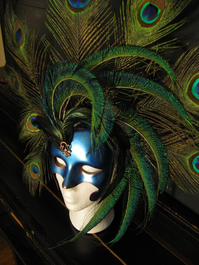 Wow! Awesome Mardi Gras Masquerade Mask